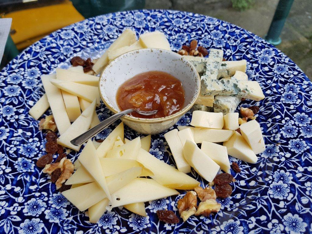 Sendeiro de quesos gallegos