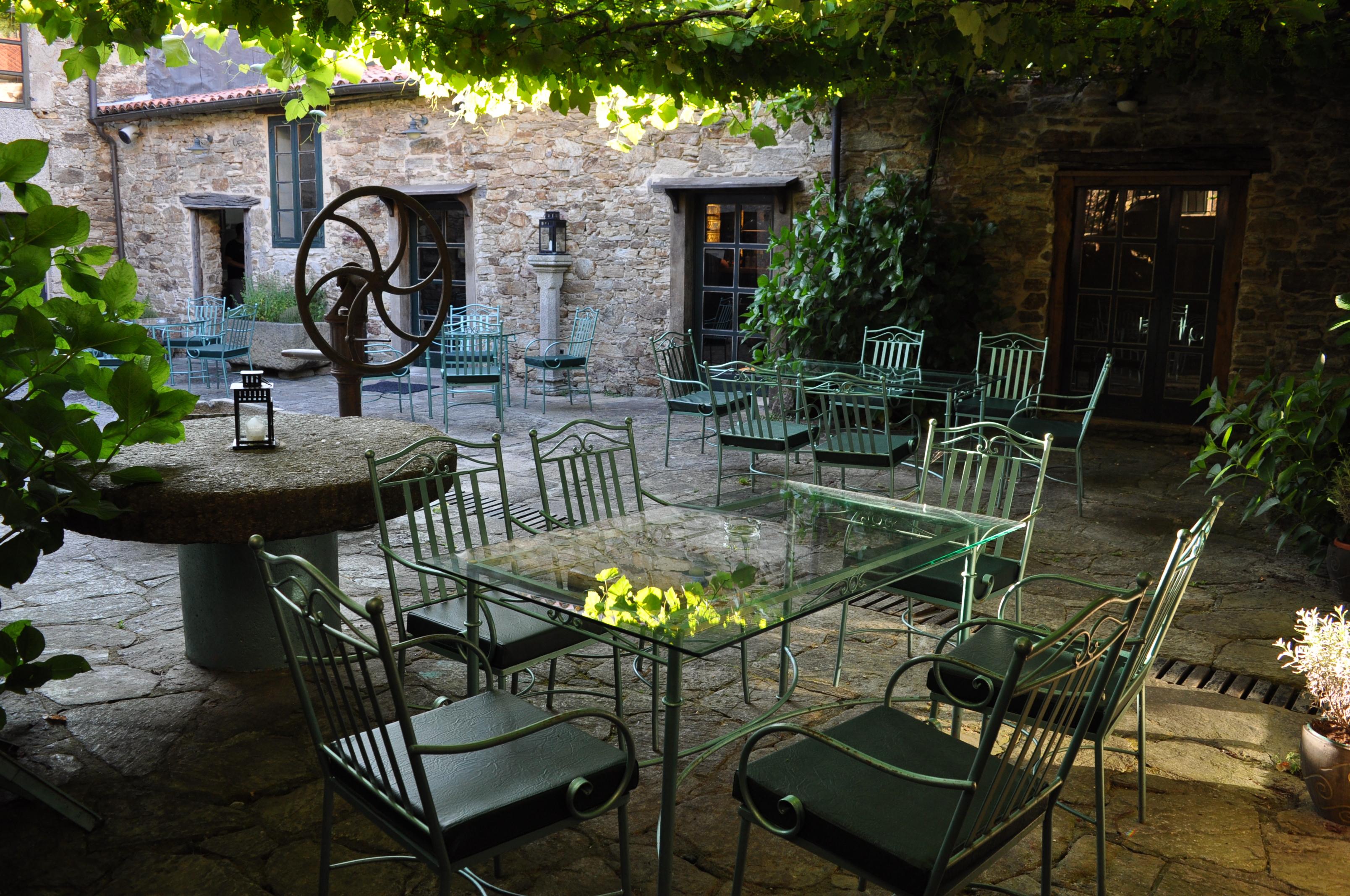 Terraza restaurante O Sendeiro Santiago de Compostela